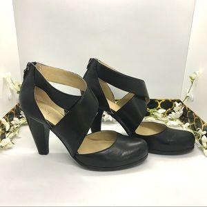 Levity! EUC • Black Leather Heels Mary Jane Size 8